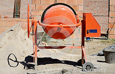 Orange Betonmischer