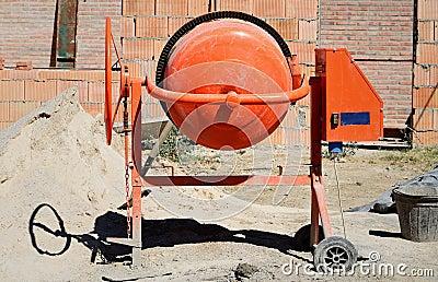 Orange Betonmischer