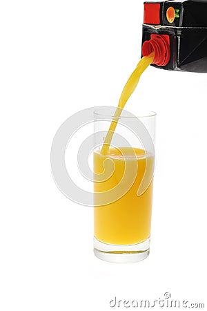 Orange juice pour