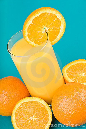 Orange juice with slice of orange