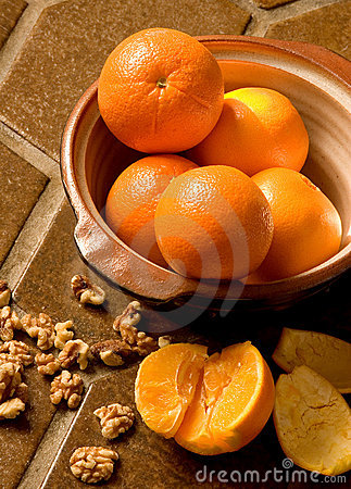 Free Oranges In A Bowl On Spanish Tile Stock Photography - 520182
