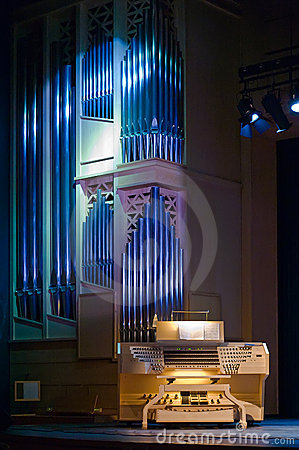 Free Organ - Authentic Music Instrument Royalty Free Stock Photos - 9168038