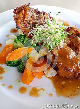 Organic food - chicken chop & vegetables