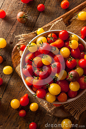 Free Organic Heirloom Cherry Tomatos Stock Image - 58234231