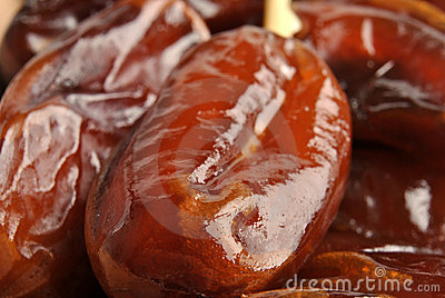 organic and sweet date ready to eat