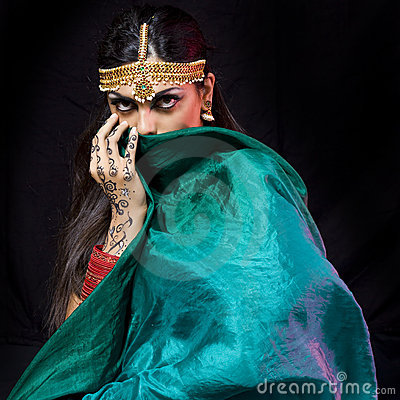 Oriental dancer woman