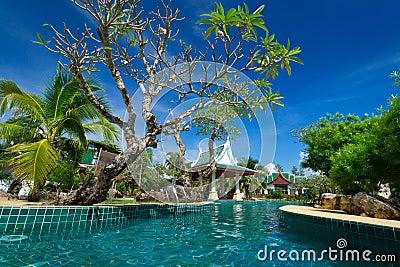 Orientaliskt semesterortlandskap i Thailand