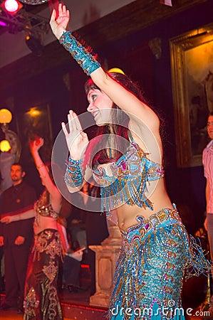 Orientalny tancerzem.