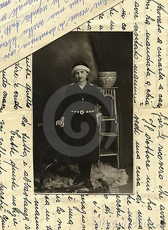 Original 1915 antique photo - young girl