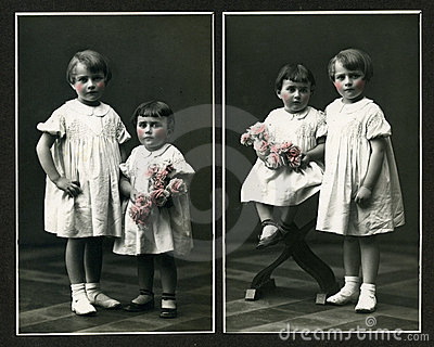Original antique photo - young girls with flowers