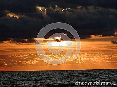 Orizzonte 0 di alba dell oceano