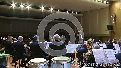 Orkiestra wiatrowi instrumenty editorial