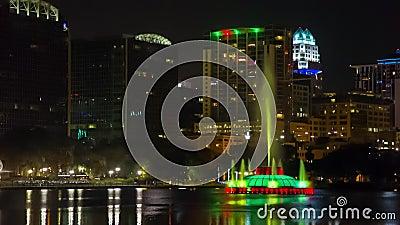 Orlando śródmieście przy nocą Eola jeziorem i parkiem, zbiory wideo