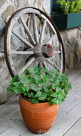 Ornamental Rustic Wagon Wheel North Carolina BRP