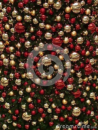 Ornamento vermelhos e dourados