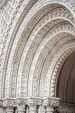 Free Ornate Stone Arches Stock Image - 89069551