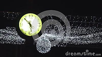 Orologio d'annata della città di Lit stock footage