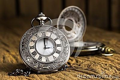 orologio tascabile antico