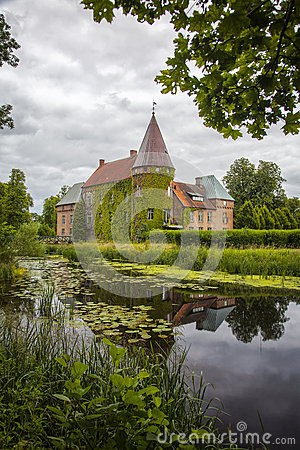 Free Ortofta Castle And Moat Stock Photo - 64492190