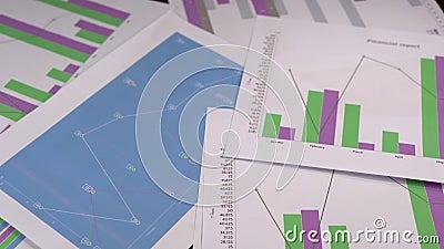 Os dados comerciais representam graficamente a carta deixam cair para baixo o grampo da metragem vídeos de arquivo
