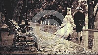 Os fantasmas de um par novo da era velha desaparecem na estrada video estoque
