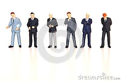 Os homens de negócios alinharam