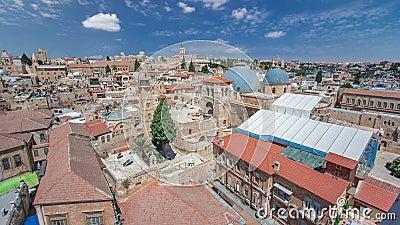 Os telhados da cidade velha com santamente enterram o timelapse da abóbada da igreja, Jerusalém, Israel vídeos de arquivo