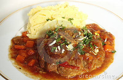 Ossobuco meal side view