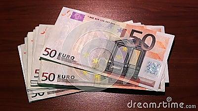 Ostatni pieniądze znika bankructwo inflacja wykres kryzysu finansowego spada stopa 50 banknotów euro zdjęcie wideo