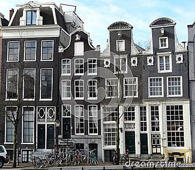Oud huis op de kanalen in amsterdam royalty vrije stock afbeelding afbeelding 14410016 - Huis verlenging oud huis ...
