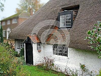 Oud Kent met stro bedekt plattelandshuisje