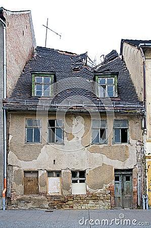 Oud verlaten huis stock fotografie beeld 14081302 - Lay outs oud huis ...