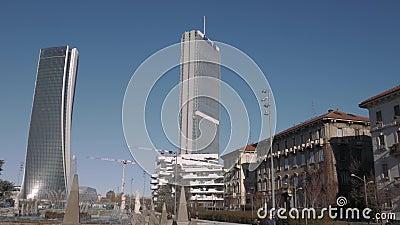 Oude en nieuwe gebouwen in Milan City Life stock video