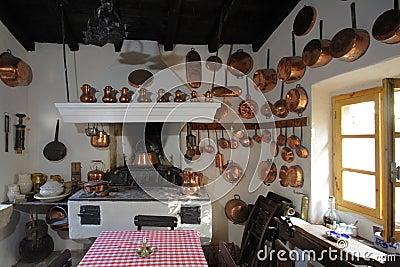 Oude keuken royalty vrije stock afbeeldingen afbeelding 8254319 - Keuken in het oude huis ...