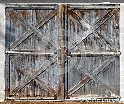 Oude Schuur Dubbele Deuren Stock Fotografie Afbeelding