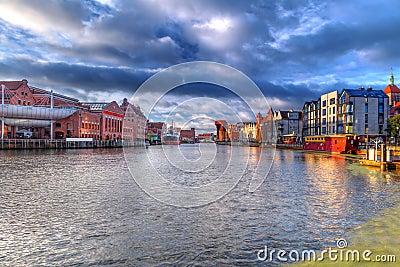 Oude stad van Gdansk bij dageraad