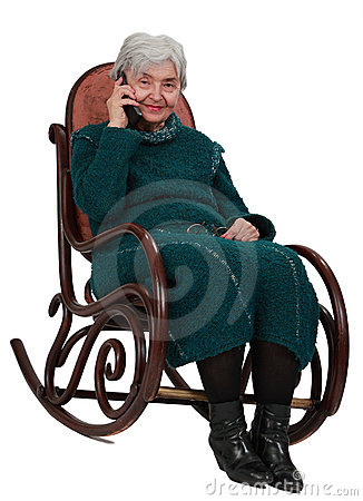 Oude vrouw op de telefoon