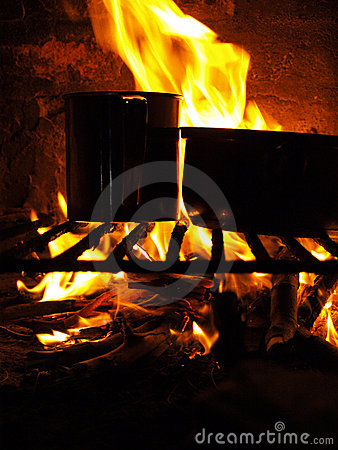 Free Outdoor Cooking Royalty Free Stock Photography - 13905807