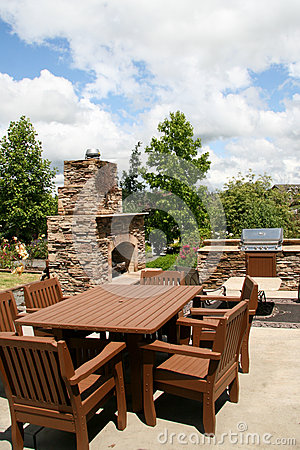 Outdoor dining and kitchen