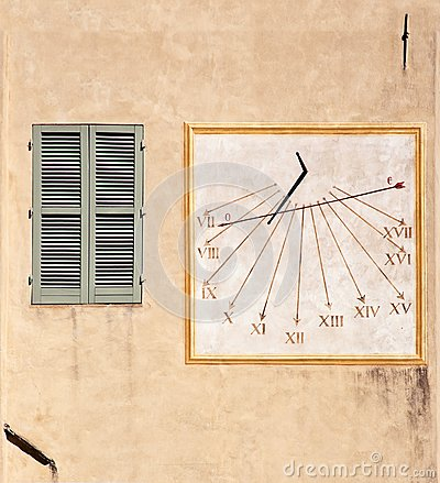 Outdoor wall decoration: sundial