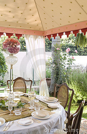Free Outside Lunch Tent Stock Photo - 13105380