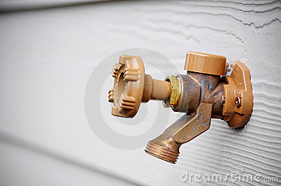 Outside water spigot