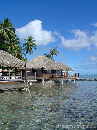 Free Over-Water Bungalows Royalty Free Stock Photos - 527618