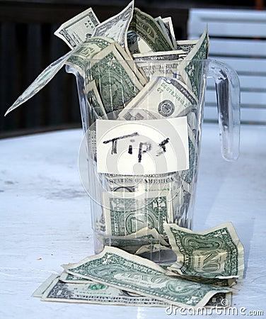 Overflowing tip cup