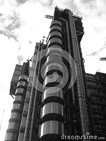 Overklig byggnad 7