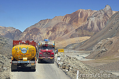 Overland route to Leh in Ladakh Editorial Stock Image