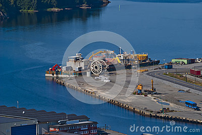 Overview (port of halden city)