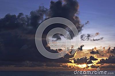 Ozean-Sonnenaufgang