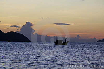 Ozean am Sonnenaufgang