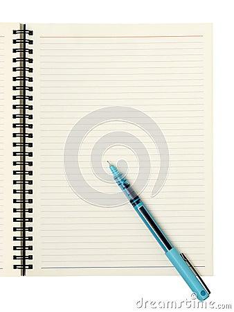 Página en blanco con la pluma
